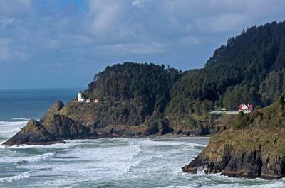 Heceta Head Lighthouse and Lightkeepers House